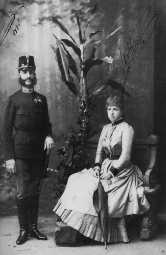familia-real-d-alfonso-xii-y-da-ma-cristina-de-habsburgo-1
